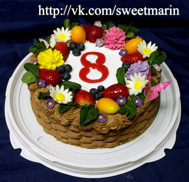 Тортик на 8 с фото