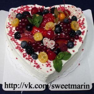 """Акция! Торт """"Сердце с ягодами"""" 1 кг"""