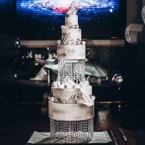 Серебряный торт лед