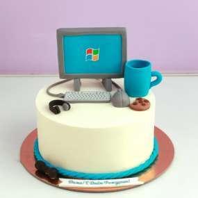 Торт с компьютером
