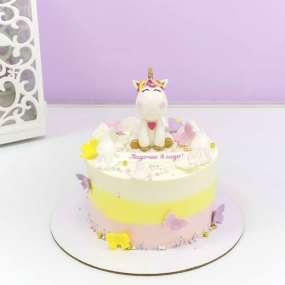 Торт с единорогом и бабочками