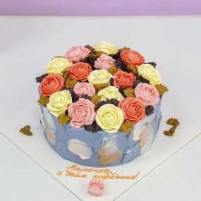 Торт с розами из крема