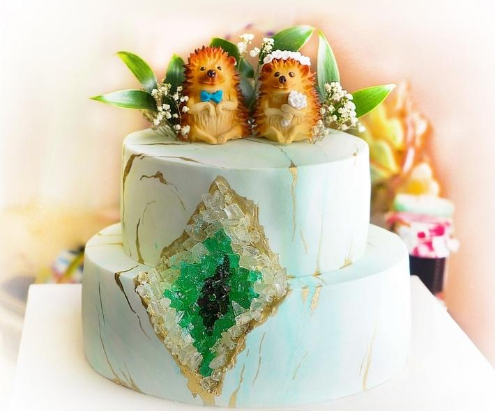 """Торт """"Мастичный с ежами"""""""