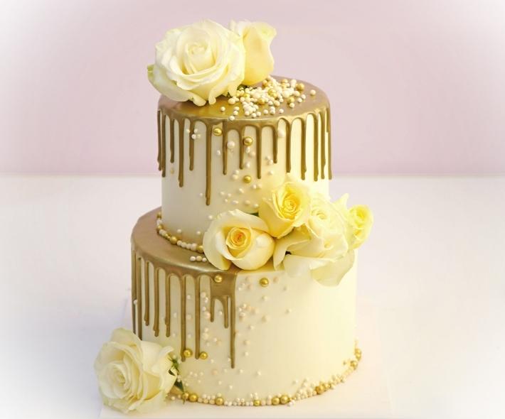 """Торт """"С живыми цветами"""""""