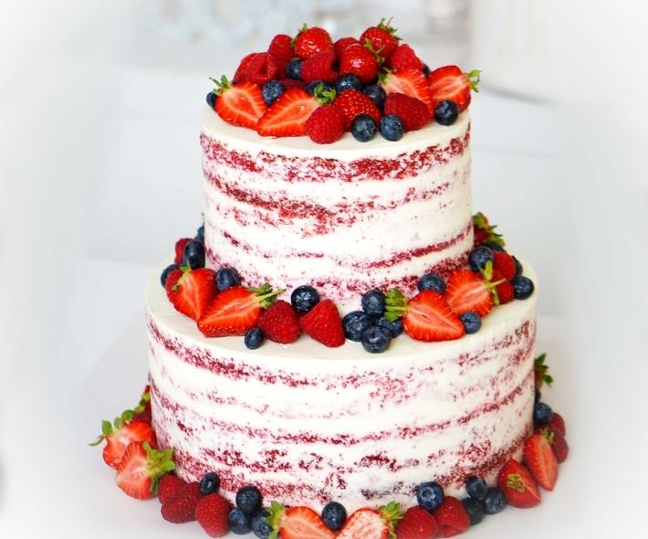 """Торт """"Двухъярусный с ягодами"""""""
