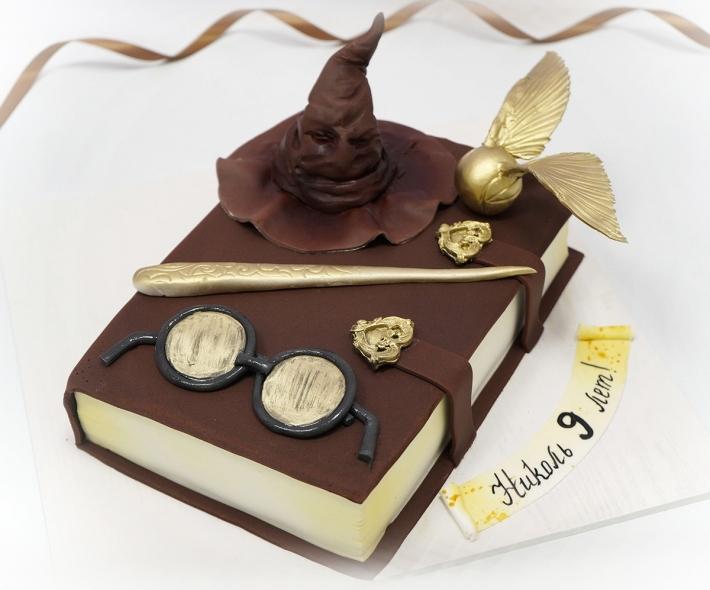 """Торт """"Книга Гарри Поттера"""""""