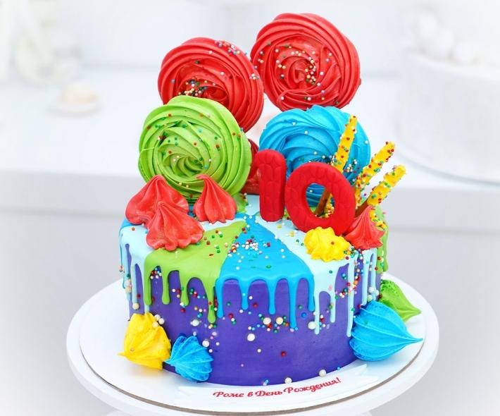 """Торт """"Яркий с меренгой"""""""