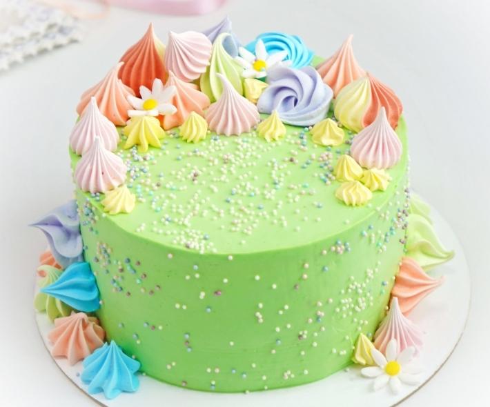 "Торт ""Меренга и цветочки"""