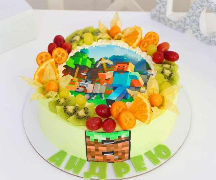 """Торт """"Майнкрафт с фруктами"""""""