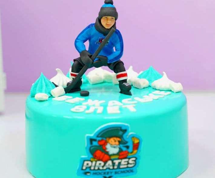 "Торт ""Хоккеист на льду"""