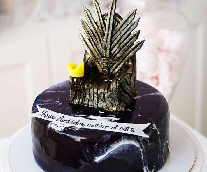 """Торт """"Железный трон"""""""