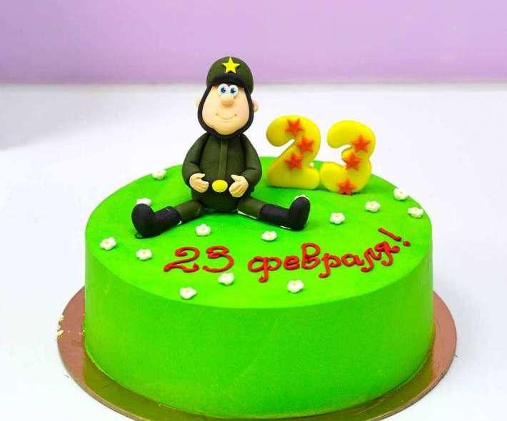 Зеленый торт солдат