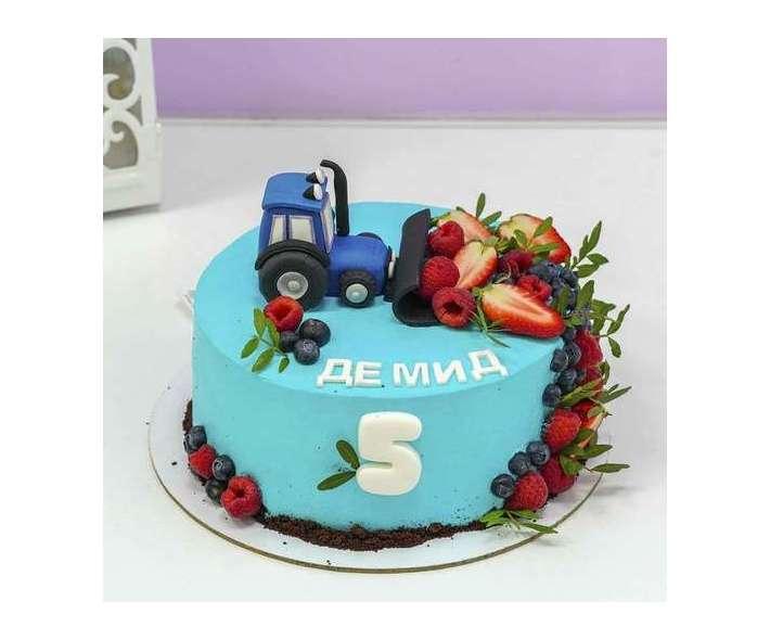 Торт с синим трактором