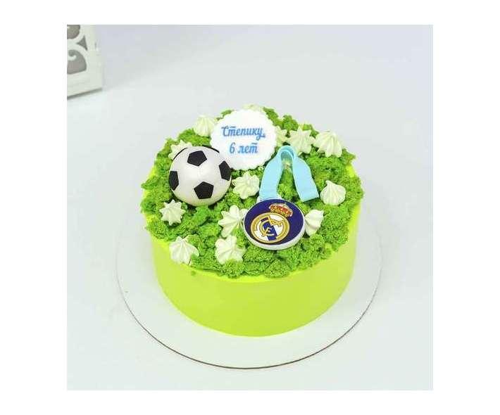 Торт с футбольным мячем