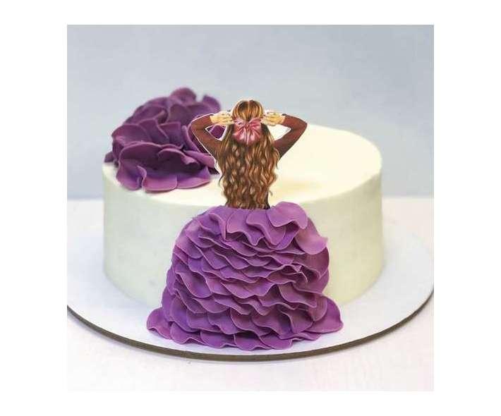 Торт с девушкой в платье