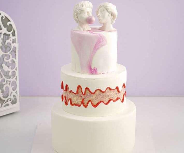 Свадебный торт с бюстами