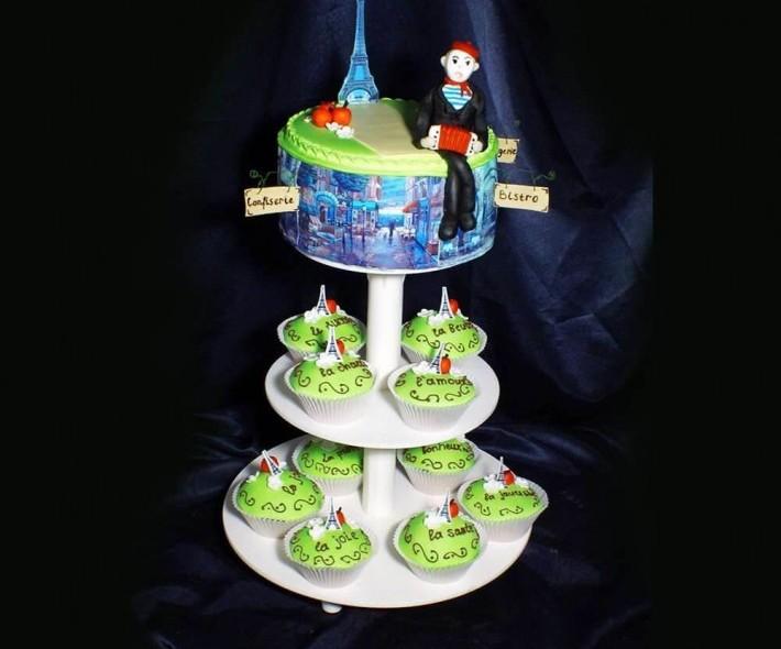 """Торт с капкейками """"Париж"""""""