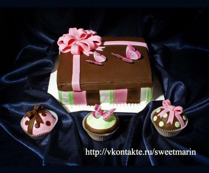 """Торт """"Подарок на День рождения"""""""
