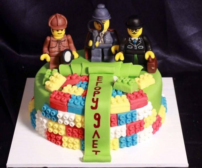 """Торт """"Лего Шерлок Холмс"""""""
