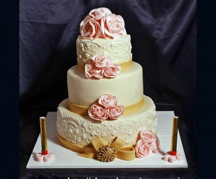 """Торт """"Золото и розы"""""""