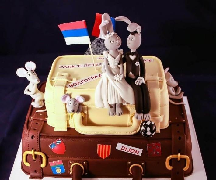"Торт ""Зайки в чемодане"""