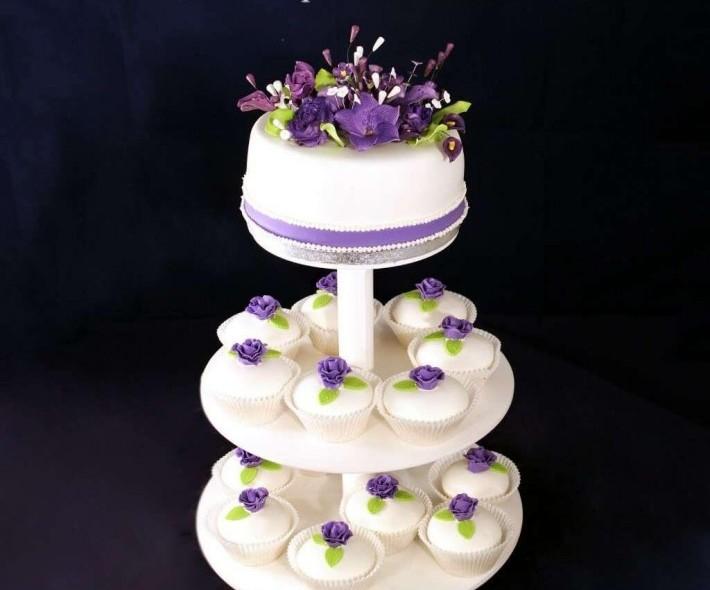 """Торт """"Фиолетовые цветы"""""""