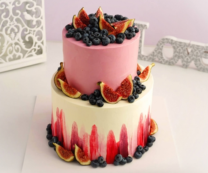 """Торт """"Кремовый с ягодами"""""""