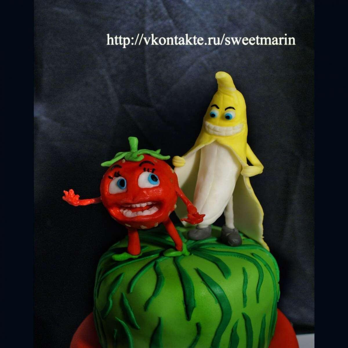 """Торт """"Клубника и банан"""""""