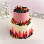 Торт кремовый с ягодами